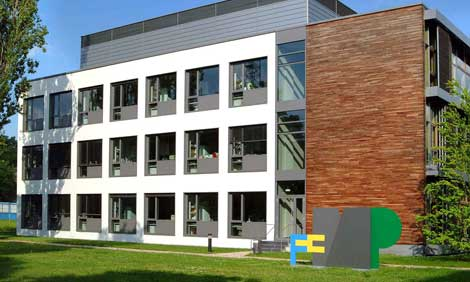 """Leibniz Graduate School of Molecular Biophysics"" am FMP"